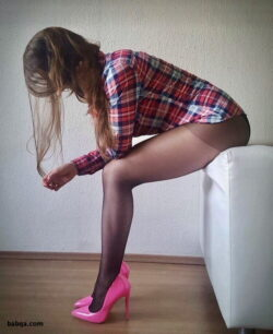 smell stocking feet and older women in stockings