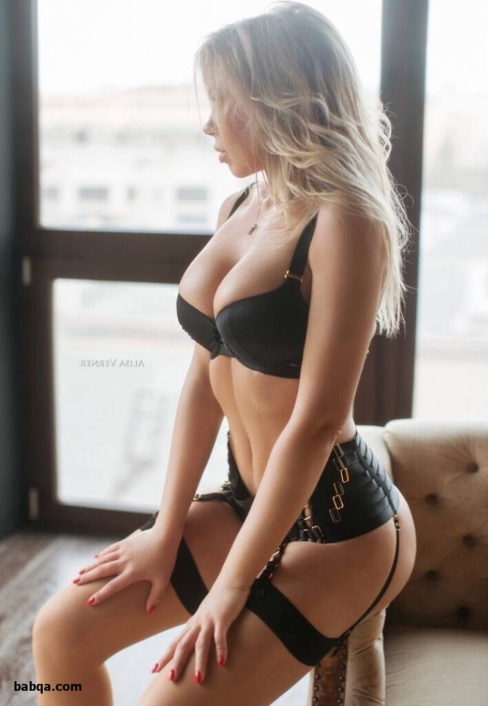 erotic women in lingerie and best sexy stockings