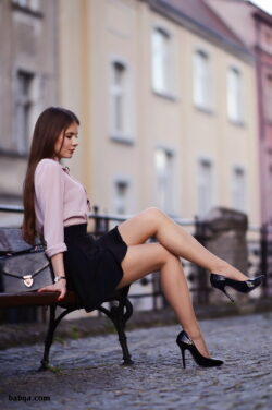 mature stockings and heels and how to wash nylon stockings