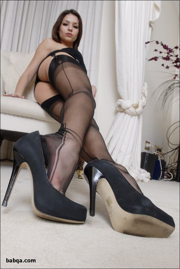 where can i get stockings and best uk lingerie
