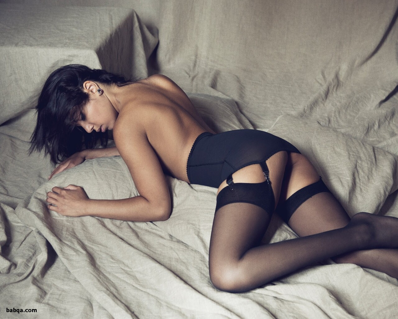 xxx lingerie photos and black dress with stockings
