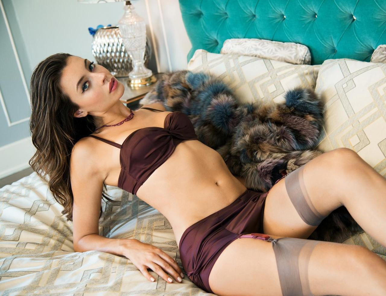 erotic lingerie galleries and women in ff stockings