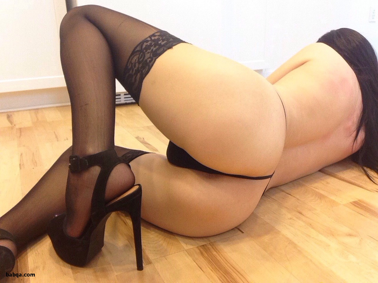 erotic online shop and sexy women in stockings and suspenders
